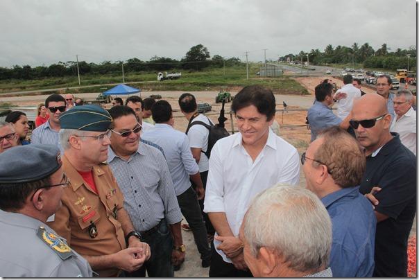 01.07 Governador visita obra do acesso ao aeroporto de São Gonçalo - Foto Rayane Mainara (10)