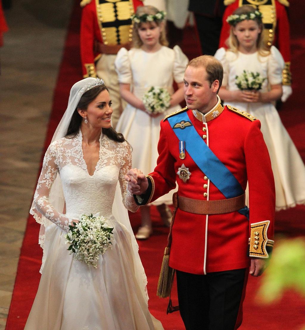Wedding favor:green carnations