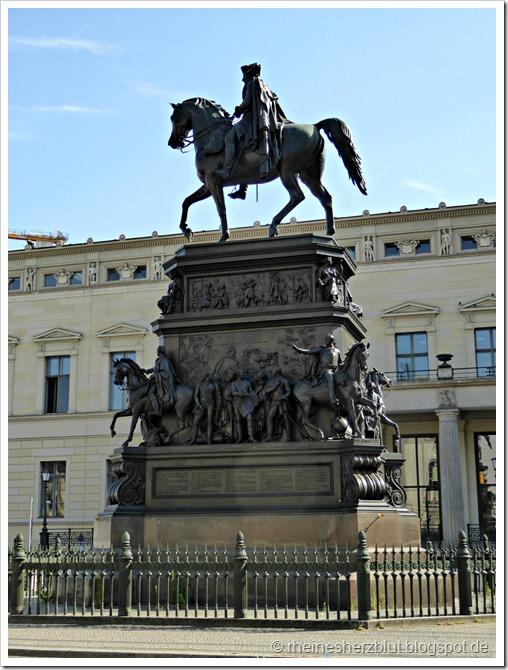 P1010115_Reiterdenkmal Friedrich II_Unter den Linden