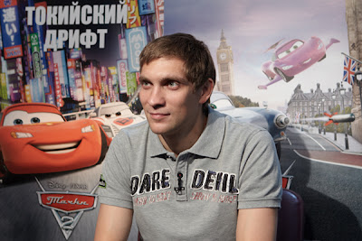 Виталий Петров на озвучке персонажа из анимационного фильма Тачки 2