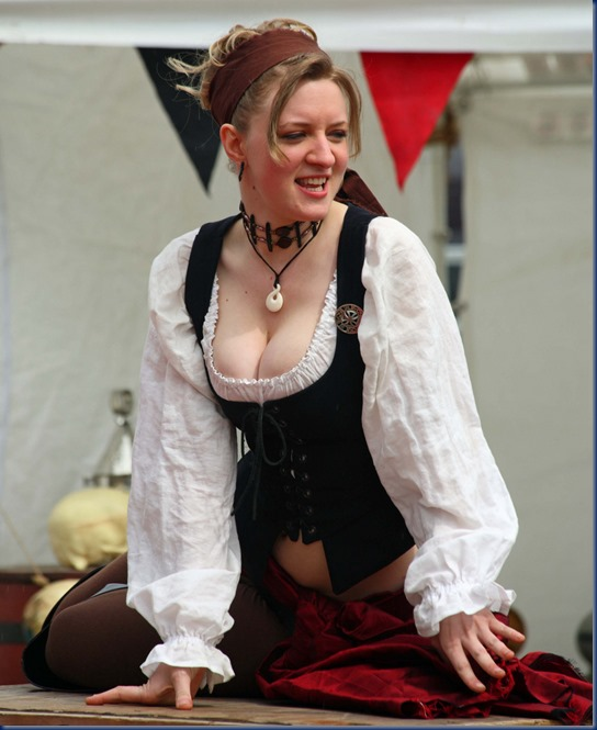 wench4