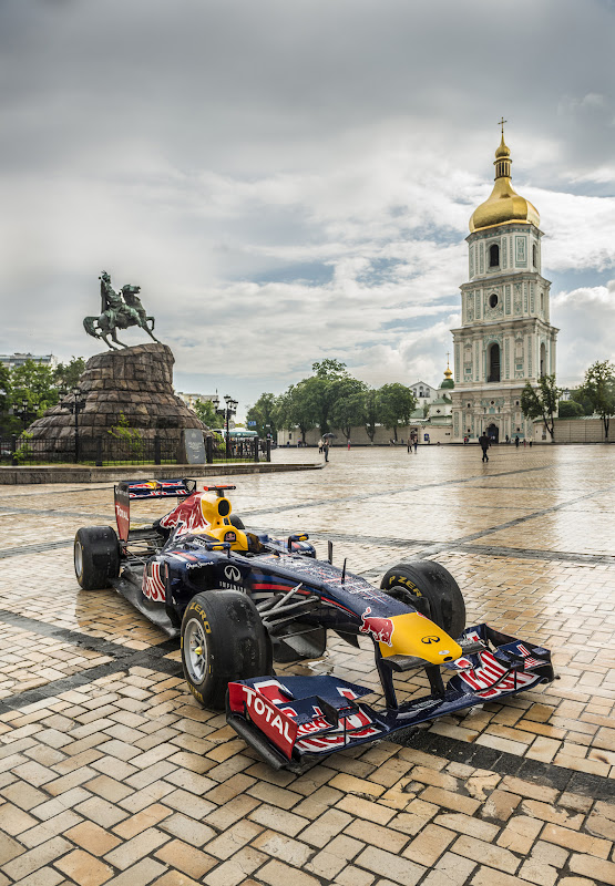 Red Bull RB7 at Sofiivska Square в Киеве 17 мая 2012