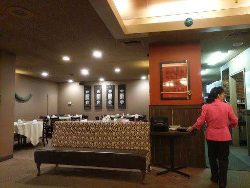 Snow Palace Restaurant, 5403 Crowchild Trail NW #1b, Calgary, AB T3A 2G8, Canada, Chinese Restaurant, state Alberta