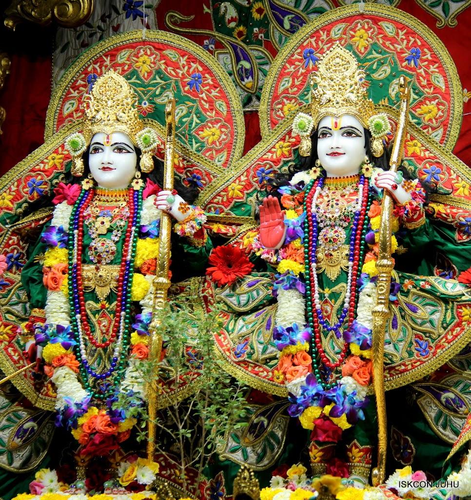 ISKCON Juhu Sringar Deity Darshan 09 Feb 16 (25)