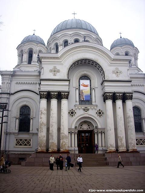 iglesia-san-miguel-arcangel-kaunas.JPG