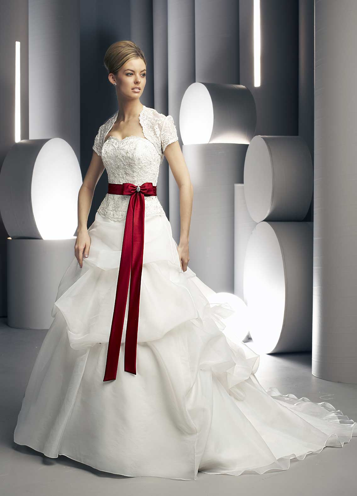 Babanina\'s blog: Green Apple Wedding Ideas Mood arabic bridal makeup ...