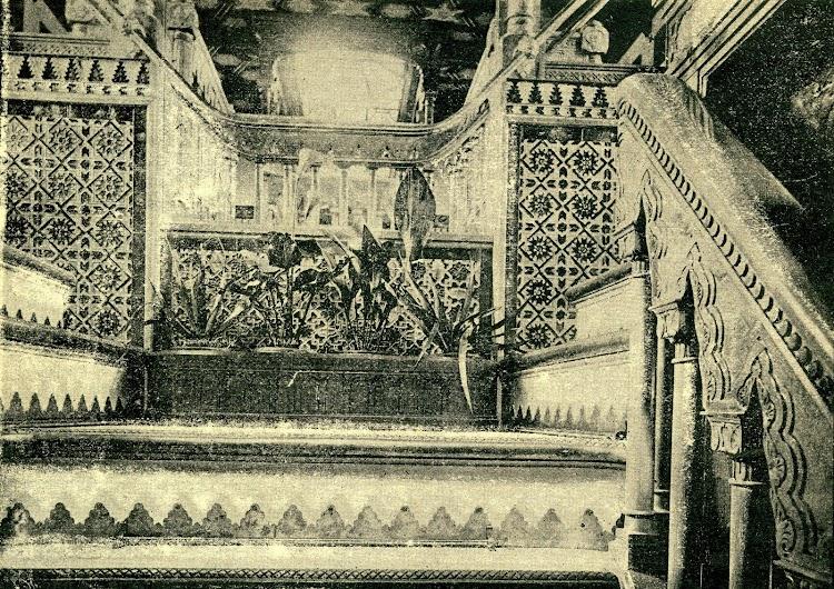 Interior del buque. Escala que conduce a la cámara. Revista de Navegación y Comercio. Año 1893.jpg