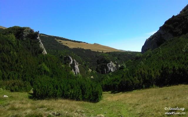 Bucegi-Valea-Horoabei-01w.jpg