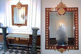 Столик и зеркало с фарфоровыми медальонами. ок.1920 г. Стол 107/42/81 см. Зеркало 77/118 см. 3000 евро.