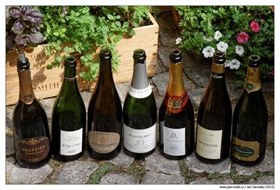 champagne-set-starsi-degorzaze