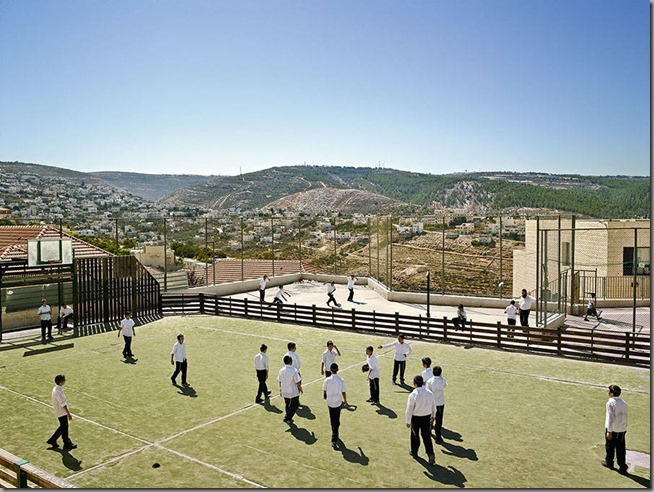 MOLLISON_PLAYGROUND_025_WEST-BANK_Tiferet-Menachem-900x676