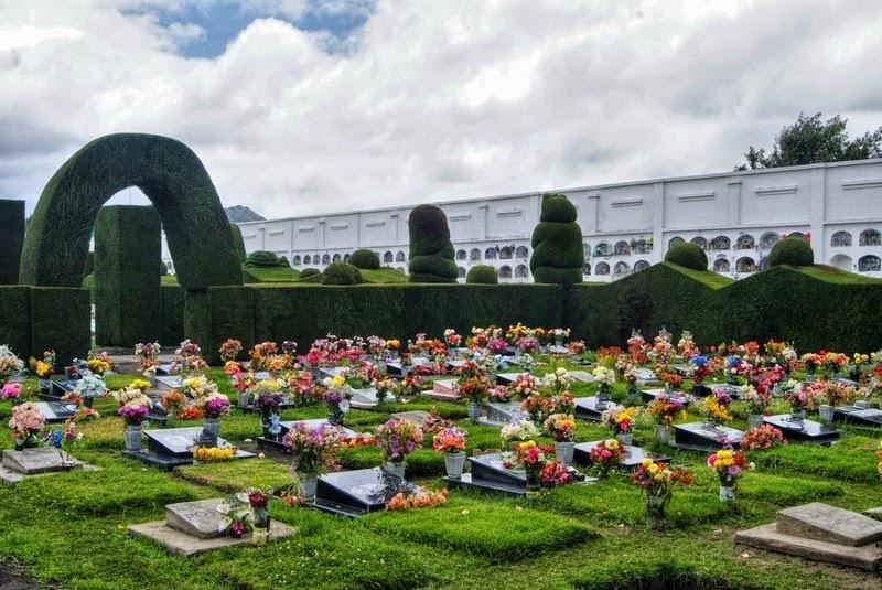 topiary-cemetery-tulcan-3