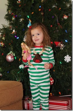 Zoey standing in front of tree2