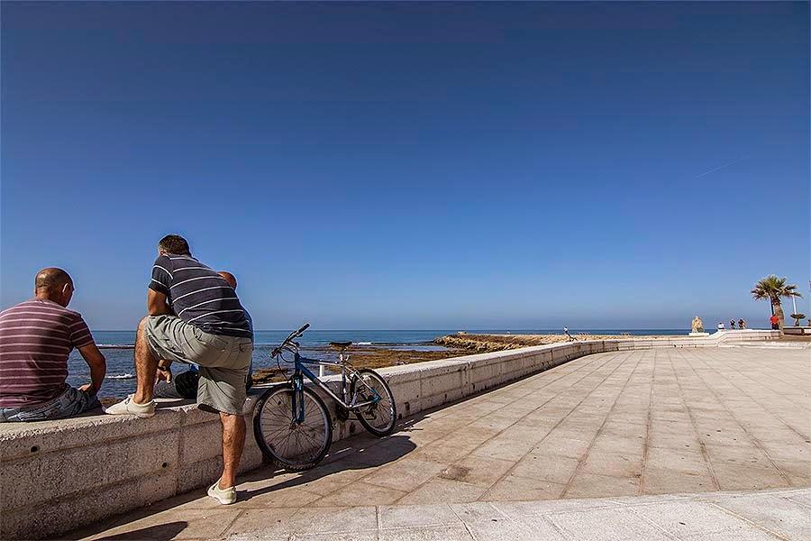 Roteños en el maseo parítimo en Cádiz