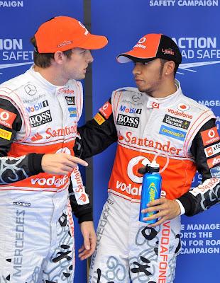 Дженсон Баттон и Льюис Хэмилтон после квалификации на Гран-при Кореи 2011