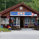"""Een """"restaurant"""" bij de veerboot bij Halsafjorden."""