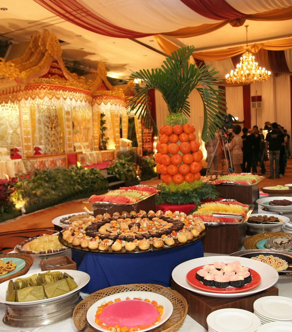 Indian wedding feasts are as