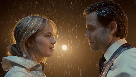 jennifer lawrence & edgar ramirez in JOY