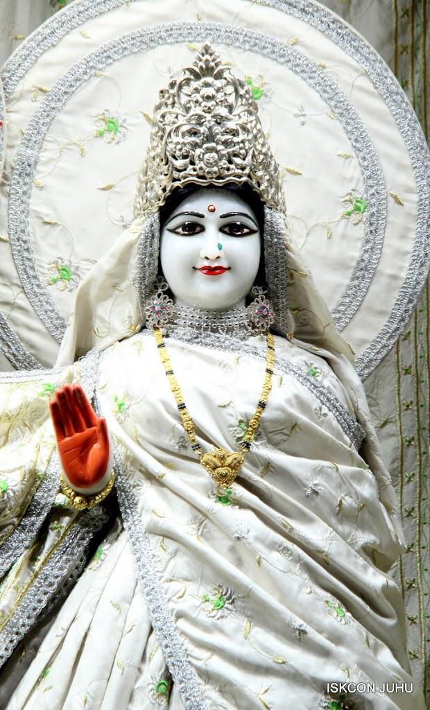 ISKCON Juhu Mangal Deity Darshan 21 Jan 16 (22)