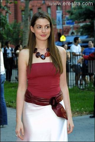 Anne Hathaway11.