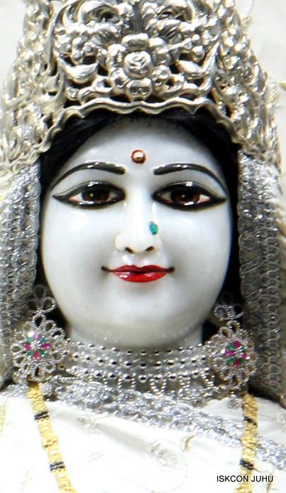 ISKCON Juhu Mangal Deity Darshan 21 Jan 16 (19)