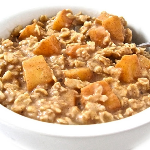 Apple Pie Oatmeal, Healthy and Super Yummy