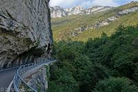 Durch das Via Valle dei Molini und auf der Monte Baldo-Höhenstraße hoch zum Monte Altissimo.