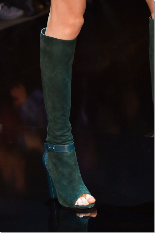 4_Cut-out boots