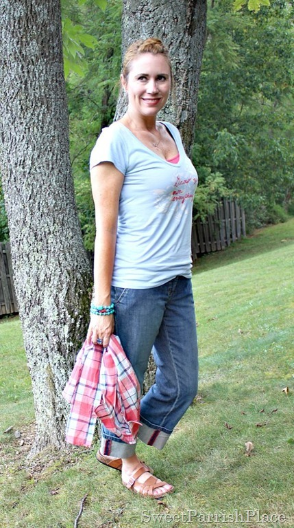 plaid button down, graphic T shirt, jeans4
