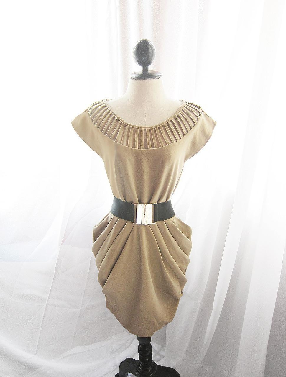 Caramel Wiggle Cream Dress