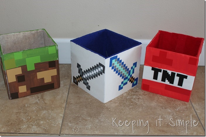 DIY-Minecraft-Creeper-Steve-and-Zombie-Costumes (15)