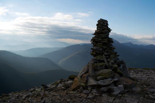 Вершина горы Малый Горган панорама пейзаж карпаты