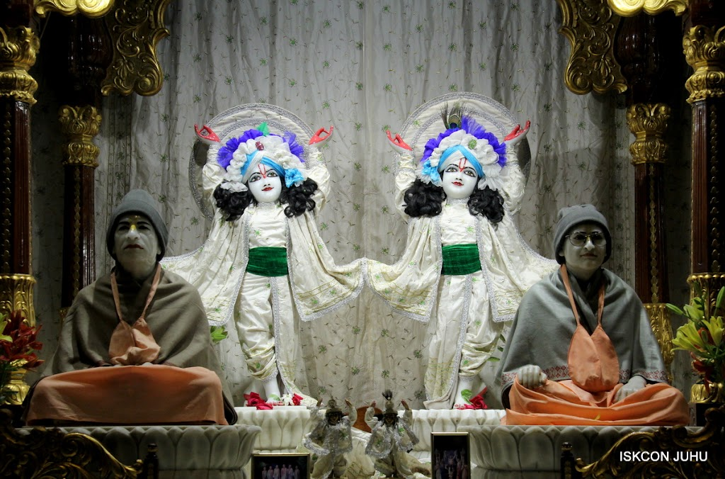 ISKCON Juhu Mangal Deity Darshan 21 Jan 16 (34)