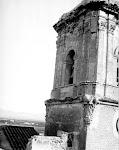 Torre-campanario de la Iglesia de los Santos Juanes. Años 40. (Arch. Foto de D.Francisco Oliver Forner). Biblioteca Municipal de Catral.