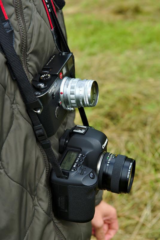 Comanda dubla, 35mm si 50mm, amandoua cu focus manual.