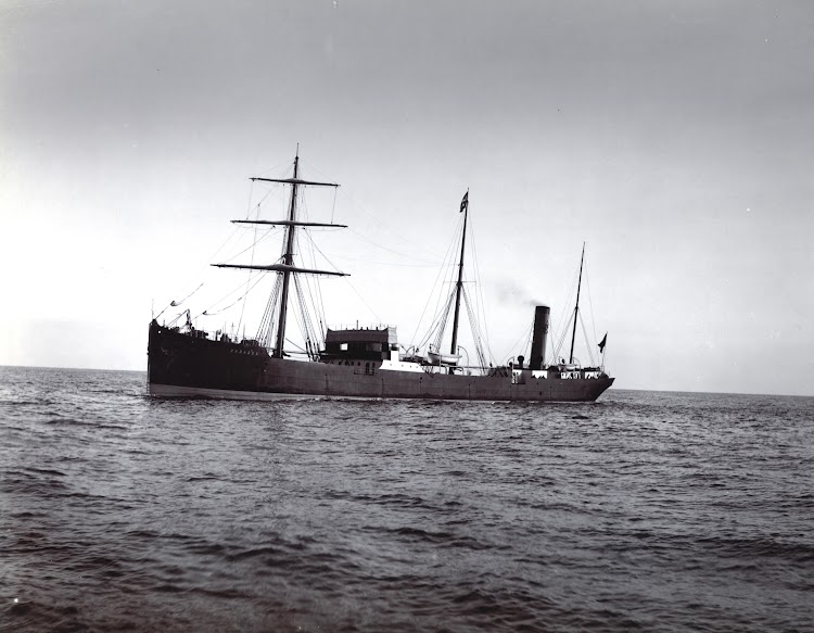 Vapor CADAGUA en pruebas de mar. Foto del TYNE & WEAR ARCHIVES AND MUSEUM.jpg