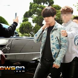 Big Bang - KBS Happy Together - 16may2015 - Arriving - Dae Sung - Newsen - 02.jpg