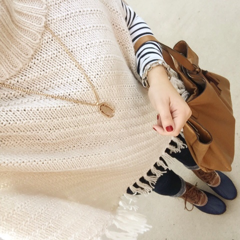 poncho, mountain style, outfit, how to wear duck boots