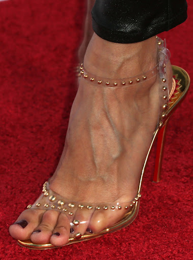 ... and gorgeous veins of noureen dewulf gorgeous toes on noureen dewulf