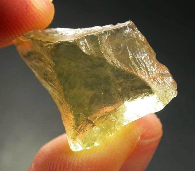 libyan-desert-glass-3