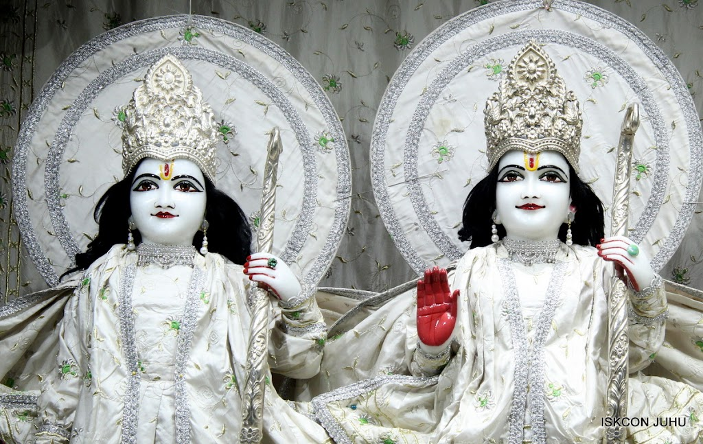 ISKCON Juhu Mangal Deity Darshan 21 Jan 16 (7)