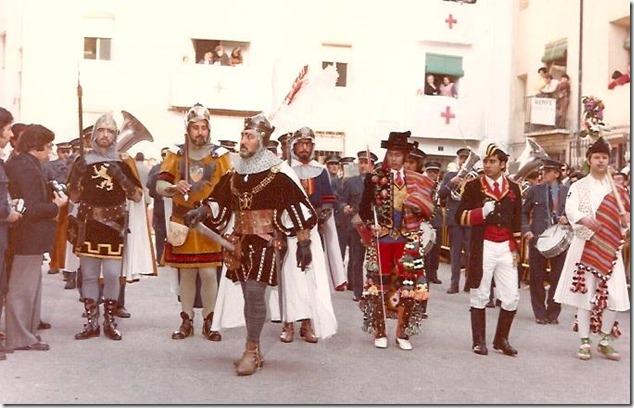 Publicació, cristians amb sargent. Foto, RAMÓN FERRANDO