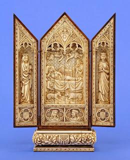 Антикварный триптих 19-й век. Кость, резьба. 33/24 см.