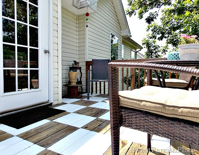 checkerboard painted deck1