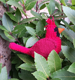Cardinal bird knitting pattern