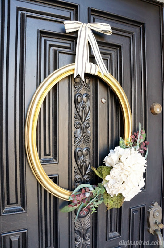 Repurposed-Thrift-Store-Frame-Wreath