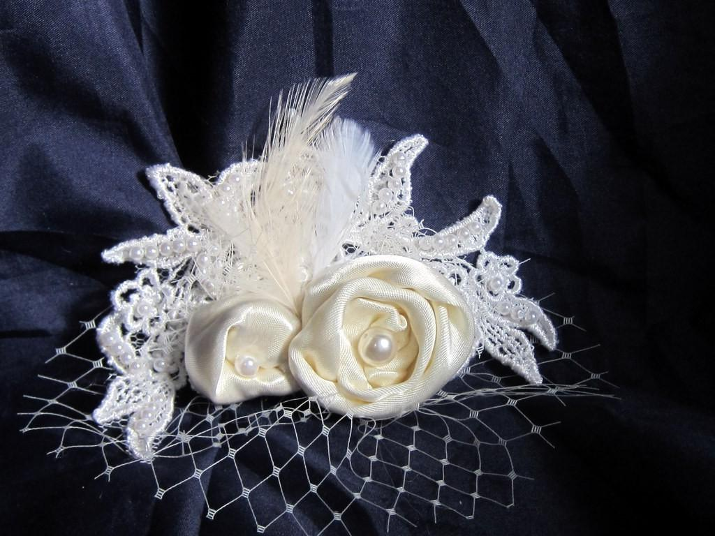 Reserved for jennyphebe Ivory Bridal Headpiece with lace ,Pearls , Feathers