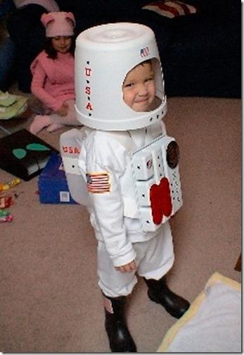 disfraz-astronauta-carnaval-disfraces-reciclados