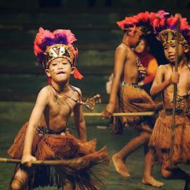 Papua dance by Faizar Ridwan Rahman - Babies & Children Children Candids ( fixlens, indonesian, indonesia, 50mm, talented, papua, kids, cute, dance, culture )
