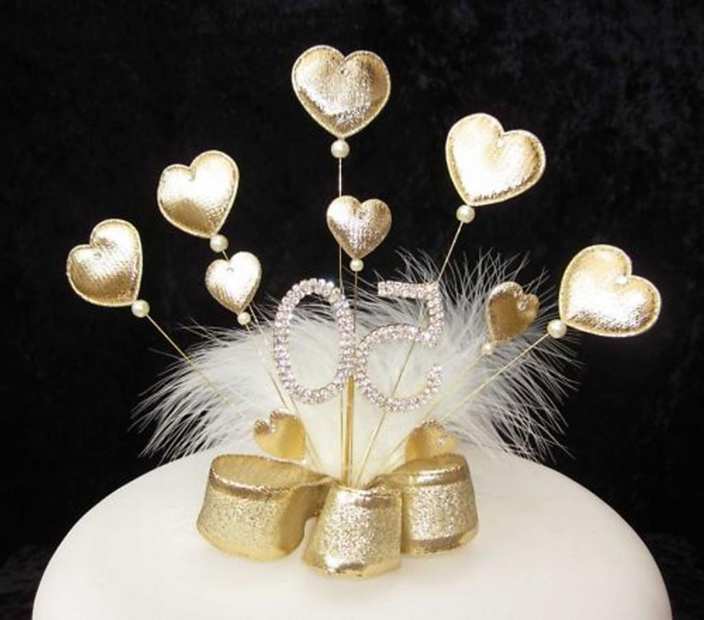 Gold Padded Heart Diamante 50